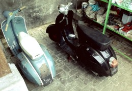 side-by-side-vespa.jpg